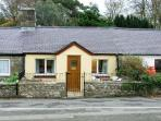 2 TYN LON COTTAGES, family friendly, with a garden in Beaumaris, Ref 12132