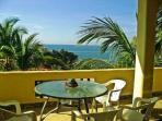 Seaview 1 or 2 bdrm apts walk to beach/shops/cafes