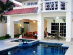 Luxury 4 Bedroom Villa Walking Street 10 Min Away!