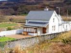 STATION HOUSE, detached, stunning views, underfloor heating, near Dolwyddelan in Snowdonia, Ref 14934