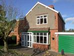LONINGSIDE, family friendly, country holiday cottage, with a garden in Wombourne, Ref 9195