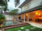 VILLA  3 BEDROOMS IN OBEROI WALKING TO RESTAURANT