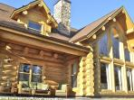 Luxury cottage for 12 persons in Laurentian area..