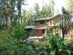 3 bedroom artisan built home, surf Cox Bay Tofino
