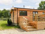 WOODSMAN LODGE 2, single storey, deck, communal grounds with games room, in Pickering, Ref 16264