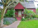 2 Bedroom Charming House-Great Irvington Location