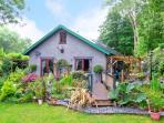 TRE COED, quality detached cottage, beautiful garden, National Park location in Llanbedr, Ref 15523