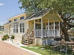 Charming Cottage West of Austin near Lake Travis