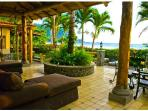 Villa Sea Breeze Beach Front Luxury - Sleeps 10