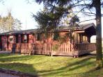 FIELD VIEW LODGE, family-friendly, near to Louth, surrounded by picturesque woodland in Kenwick, Ref 8719