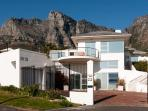 3 to 5 BR villa in Camps Bay 5 min walk to beach !