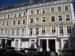 Quality 2 Bedroom Apartment in Heart of Kensington