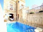 Gorgeous  Private Jacuzzi  Pool AC Fully Equipped Free WIFI