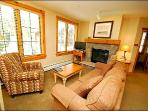 Cozy 2-Bedroom - Great Views of the Slopes (7025)