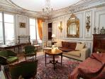 Ornate 5-bedroom in 8th arrondissement, sleeps 12