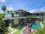 Beachfront Villa LeGa - Contemporary Design with Magnificient Views, Butler