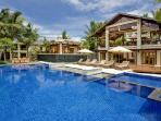 Villa Semarapura - Prestigious beachfront villa with numerous pavilions & great sea and sunset views