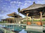 Villa Puribawana - Famously designed villa with a series of pavilions with pool & ideal for families