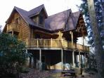 Beardise Creek..Stunning cabin.  Wood burning FP/ Creek  view and sound, hiking, near Mount Mitchell.