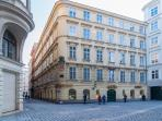 Adagio - Elegant 2-bedroom flat near Stephansplatz