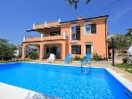 Attractive apartment for 6 persons, with swimming pool , in Pula