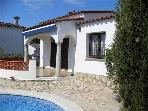 Holiday house for 6 persons, with swimming pool , in Escala