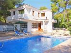 Attractive holiday house for 8 persons, with swimming pool , near the beach in Moraira