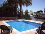 Holiday house for 9 persons, with swimming pool , in Empuriabrava