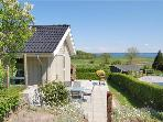 Attractive holiday house for 8 persons near the beach in East Coast