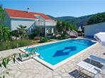 Attractive holiday house for 6 persons, with swimming pool , in Korcula