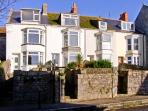 WHITESTONES, family accommodation, garden, pet friendly, close to beach, on Isle of Portland, Ref 18977