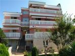 Apartment for 5 persons near the beach in Selce