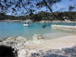 Apartment for 4 persons near the beach in Losinj