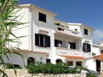 Attractive apartment for 4 persons near the beach in Pag