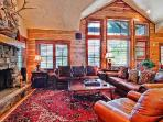 Buckhorn 8 - Bachelor Gulch Luxury Townhome with Hot Tub, Walk to Slopes