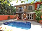 Casa Mango - 2 blocks from beach- Playa Potero