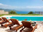 Villa Chritina, private villa with private pool sea views, bbq, garden near Nidri