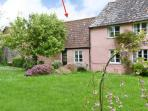 THE STABLES, annexe, ideal for couples, private garden, in Blagdon Hill, near Taunton, Ref 20549