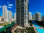 Chic 1 BR at Viceroy Brickell 2111