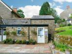 TANTALLON COTTAGE, close to Hadrian's Wall, off road parking, private and shared gardens, in Gilsland, Ref 26108
