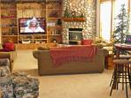 Free Nights! / Upscale 7 Bedroom Sunriver Home / Sleeps 20 / Hot Tub / AC / SHARC Passes / Wi Fi /
