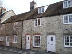 Dragon's Den - Stone Cottage in Dorchester, Dorset