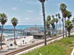 San Clemente Pier Bowl Ocean Views! 1 Bed/1 Bath 1 Block from Beach & Pier!