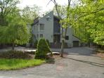 Creekfront. Modern 3500 sf. A/C. Pool, Tennis