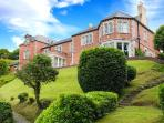TELFORD HOUSE, impressive riverside property, superb views, pet-friendly, Menai Straits Ref 14628