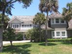 Large Home in great Beachside community