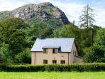 CAPEL DOLHENDRE, family friendly, country holiday cottage, with a garden in Llanuwchllyn, Ref 3632