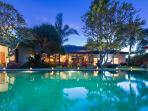 Canggu Bali Beachside 5 bdrm luxury family Villa Paloma