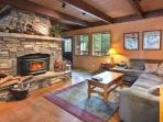 Empey Dog Friendly Tahoe Home-Hot Tub, Pool Table