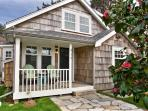 Coastal charm and comfort- close to town and beach